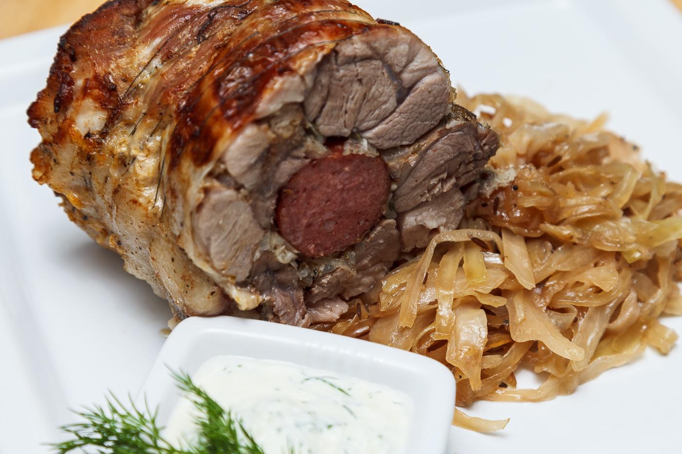 рецепт фаршированной свиной рульки в духовке